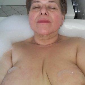 Frau_Neu_Gier