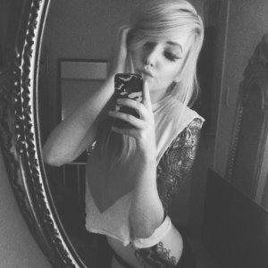 Hot__Melanie199