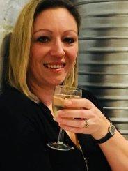 Kirsten.O (42)