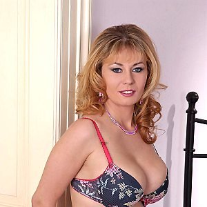 Anne-Brigitte37